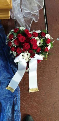 Blumenherz zur Beerdigung