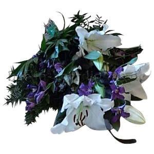 Kleiner Blumenstrauß mit Lilien