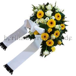 Trauerfeier Blumen gelbweiss