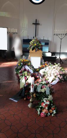Trauerfeier mit Pfarrer