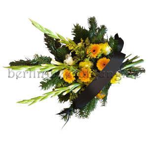 Trauergesteck mit Gladiolen für Trauerfeier Beerdigung als Grabschmuck