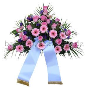 Großes ästhetisches Trauergesteck in Rosa mit Schleife