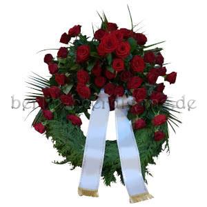 Trauerkranz Rosen rot