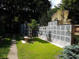 Urnenwand für Feuerbestattungen Berlin